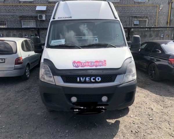 IVECO Daily 50C15 c на парковке в СТО Кубавто