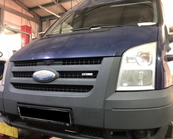 Форд Транзит на подъемнике СТО Кубавто